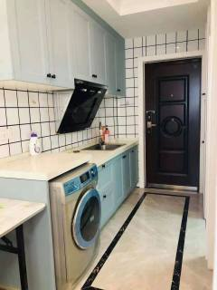 1室1厅1卫1100元/月40m²出租